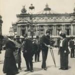 Blessés de la guerre 14-18 rassemblés devant l'Opéra Garnier